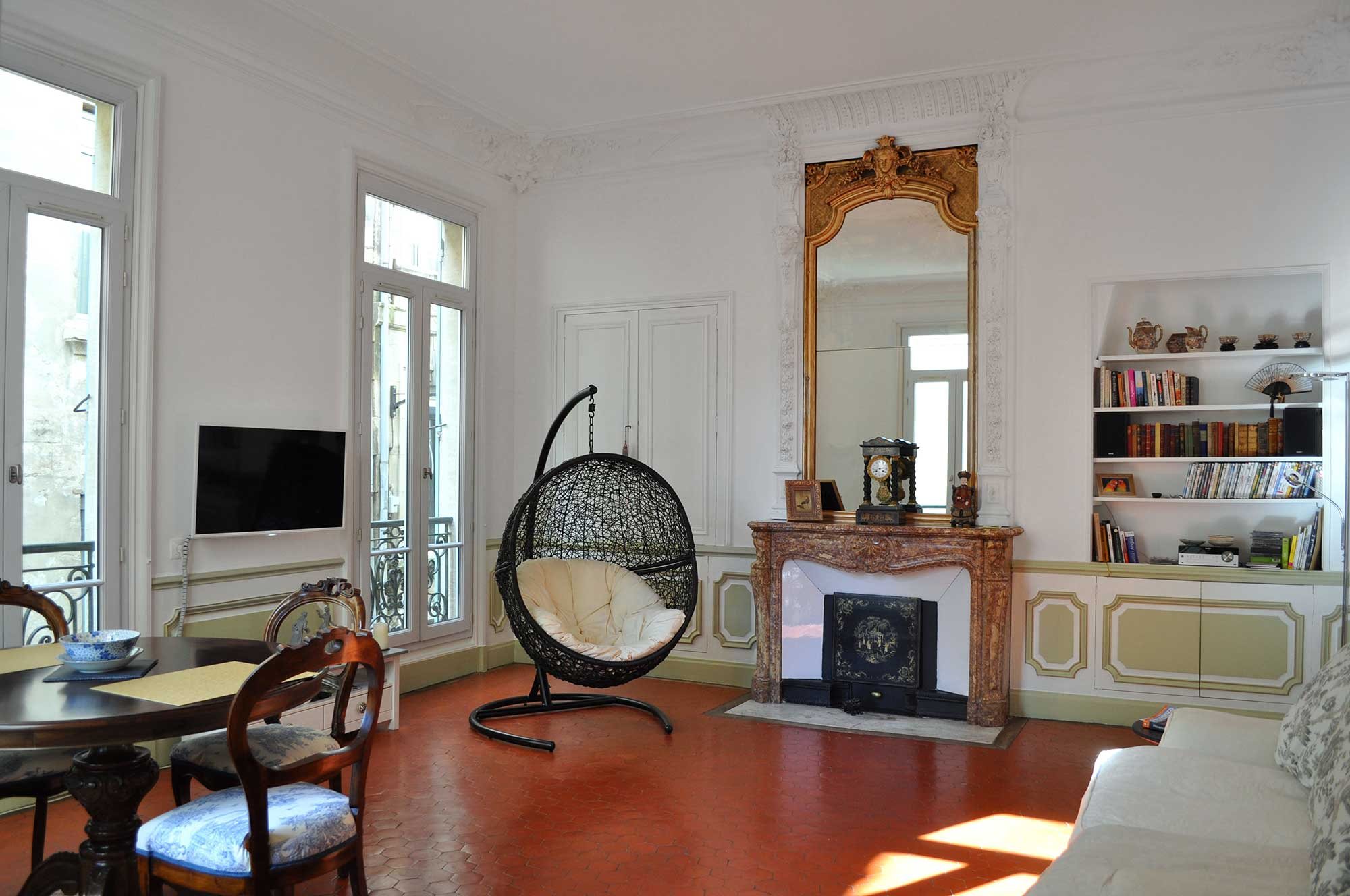 juliette balcony apartment u2013 in central avignon with parking included